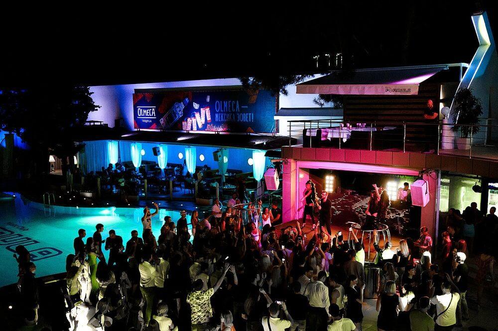 Ночные клубы в Геленджике
